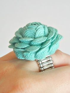 rac rose, christmas gift ideas, hair clips, rose ring, ric rac, rick rack, diy rings, make flowers, christmas gifts