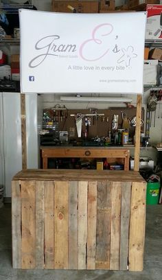 Awesome display table made from a pallet!