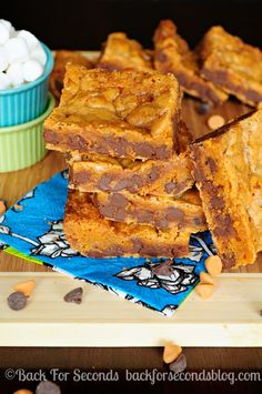 My family's FAVORITE bar recipe! Gooey Butterscotch Chocolate Chip Bars http://backforsecondsblog.com  #cookiebars #dessert #butterscotch #chocolate