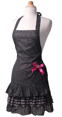 I would soooo cook wearing this apron. ♥