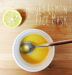 DIY Honey Lemon Face Mask- smoothes and brightens! Great for acne prone skin, dark spots and uneven skin tone.