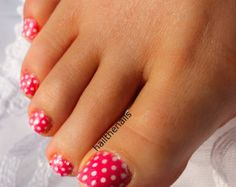 pink polka dot toenails - My new theme fro the rest of the Spring/Summer