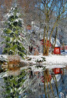 ✯ Snow reflection