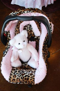I adore this car seat cover. Omg.