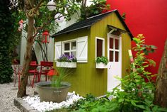 Great ideas surrounding Ethan's playhouse.