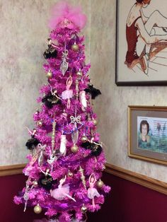 Christmas tree decor on pinterest 71 pins for Ballerina tree decoration