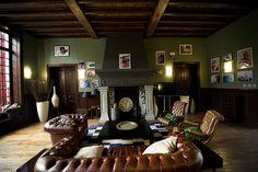 Living Room - BoardRiders House #surf