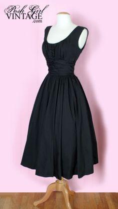 I love vintage. Perfect back #Vintage Styles| http://vintage-life-styles.blogspot.com