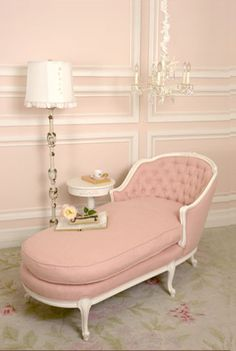 Vintage pink chaise