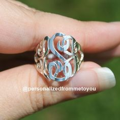Wow what a great idea for a ring. I could do this with the monogram we created from our wedding!