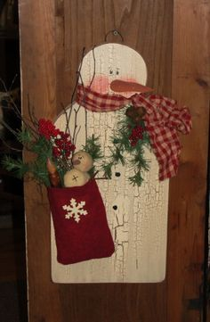 Hanging Crackled Snowman with Felt Pouch