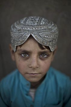 Afghan refugee 5 year old Hasanat Mohammed