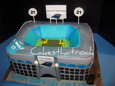 Bank of America Stadium Cake from Cakesthatrock/ Kourtnie Cakes.