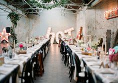 Huge Letters! Cool pictures of an English Wedding, have a look!