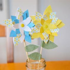 Paper flower tutorial and templates.