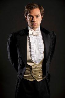 Hadley Fraser (as Raoul).