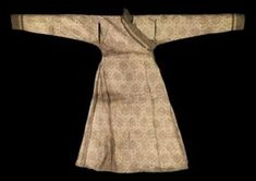 A very fine Mongol cloth of gold silk robe. Central Asia, 13th-14th century. Photo: Christie's Images Ltd 2010 .