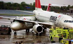 NorthWest Airlines - aircrafts collide at airport gate