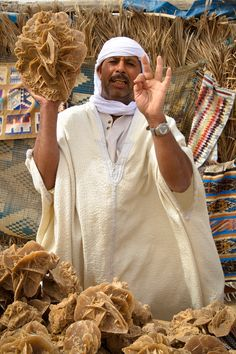 3 dinars for you habibi! - Big salt lake Chott El Jerid in Tunisia, 150 km from Algeria.