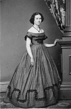Womens Dress 1850s Victorian Civil War