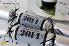 create these DIY new year's party poppers for fun party favors | CherylStyle.com