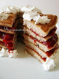 Pancake di fragole (con la frutta nell'impasto)