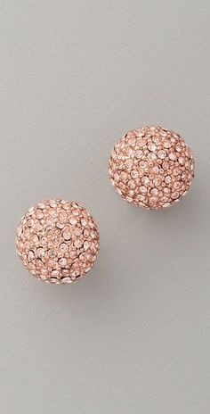 These Rose Gold Studs are the Perfois accessory to compliment any outfit! #MallyTrends