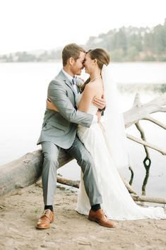 lovely beach wedding portrait, photo by @Daniel Cruz styling by @Collette Budd http://ruffledblog.com/romantic-lake-gregory-wedding #beach #wedding #portraits