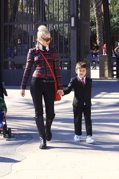 Gwen Stefani and Kingston Rossdale monkey around
