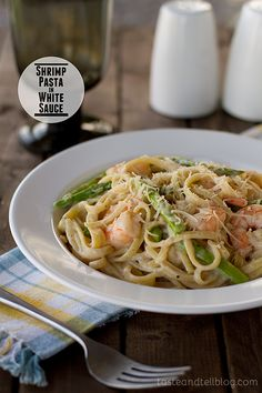 Shrimp Pasta in White Sauce