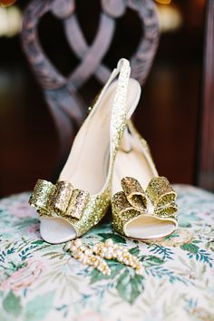 gold Kate Spade bow heels // photo by Tess Pace // http://ruffledblog.com/glam-romance-colorado-wedding
