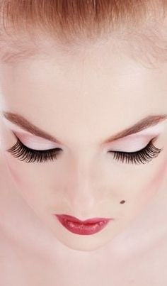 Long Eye Lashes Secrets: Here we present a few ways to make your eye lashes grow thicker and longer: