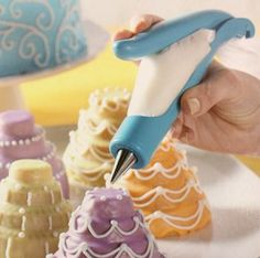 Easy-Squeeze Icing Writer Decorating Pen for all your cakes & cupcakes!