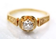 Meet the antique engagement ring experts from Pebble and Polish, now on the Etsy Blog! #etsyfinds #etsyweddings