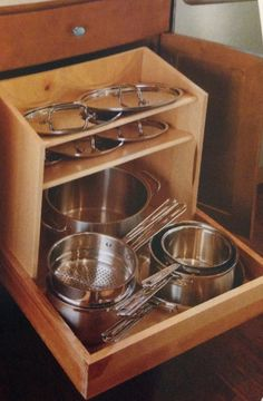 Drawer for pots and pans.