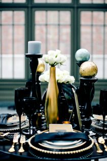 black and gold centerpieces
