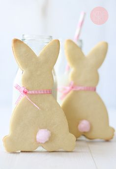 Cute bunny cookies....I love the cotton candy pom pom tails!