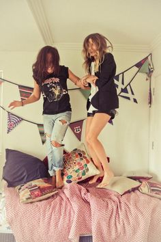 summer styles, flag, bed, close friends, jeans, old shirts, band tees, 5 years, banners