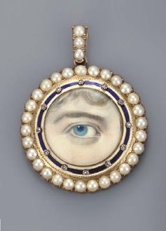 Georgian lover's eye pendant. (Weird)