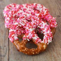 Salty Sweet Valentine Pretzels.  Easy, no bake and delicious!