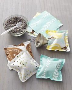 Easy sewing project: DIY scented sachets.