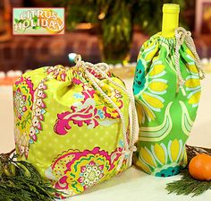 Reversible wine and gift bags