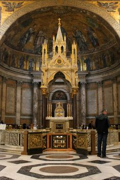 The High Altar of Saint Paul Outside the Walls. Underneath, visible from the confessio, is the tomb of Saint Paul.
