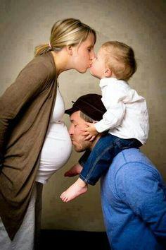 beautiful maternity family photos