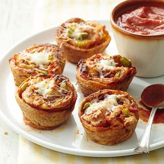 Use a muffin tin the next time you're making stromboli! More easy muffin tin recipes here: http://www.bhg.com/recipes/trends/muffin-tin-recipes/?socsrc=bhgpin080514savorystrombolicups&page=13