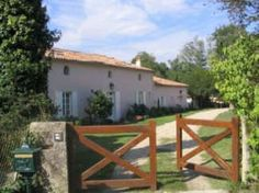 La Maison Rose, bed and breakfast in Aquitaine #France