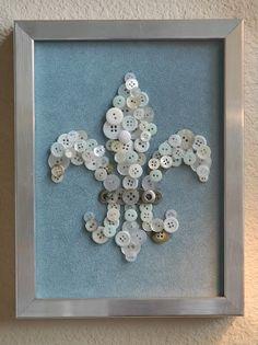 fleur de lis with buttons