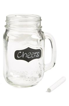 These chalkboard mason jar mugs are perfect for the next party!