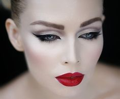 eye makeup, cat eyes, eyebrow, black swan, red lips