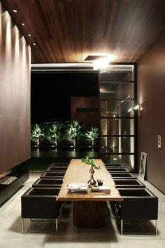 Fascinating Nature Inspirations for Contemporary House: Elegant Dining Room Decor At The FF House With Leather Chairs And Natural Oak Dining...